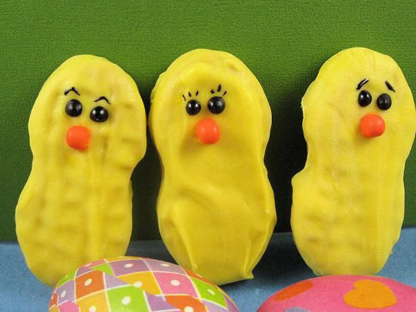 Nutter Butter chicks-- the perfect Easter treat!
