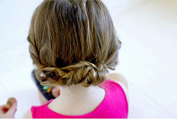 Toddler updo cuteness.
